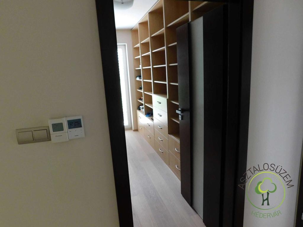 Gardróbok és beépített szekrények